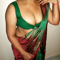 Bangladeshi Hot & Sexy Real Life Aunty 'Dipty Sultana' Leaked Photo