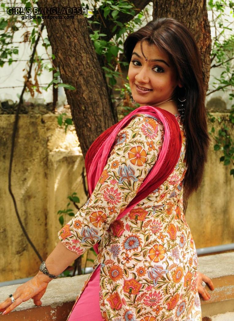 Afroza Khan-h