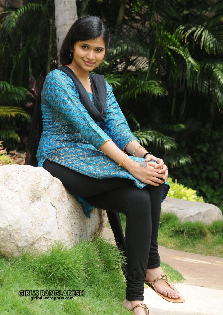 Bangladeshi Sexy  Cute Boobsy Real Life School Girl Saima Sadat -4525